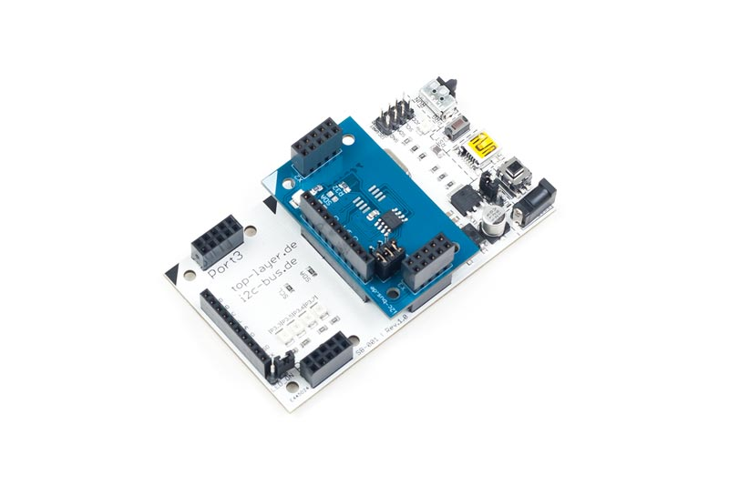 I2C-003 ist ein stack2Learn Zusatzmodul. Bei I2C-003 handelt es sich um eine Temperatur Sensor Zusatzplatine mit I2C Schnittstelle. Bestückt ist ein TCN75A Baustein. Das Board ist 30 x 51 mm groß. Und momentan in der Farbe Blau vorhanden.